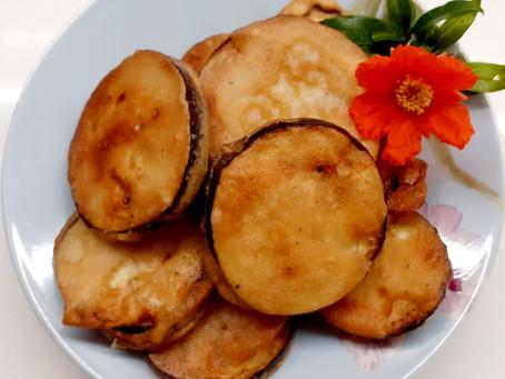 Battered Fried Aubergines (Τηγανιτές Μελιτζάνες Με Κουρκούτι)