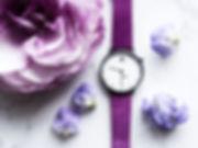 紫の花々と「Eight Hooter 」