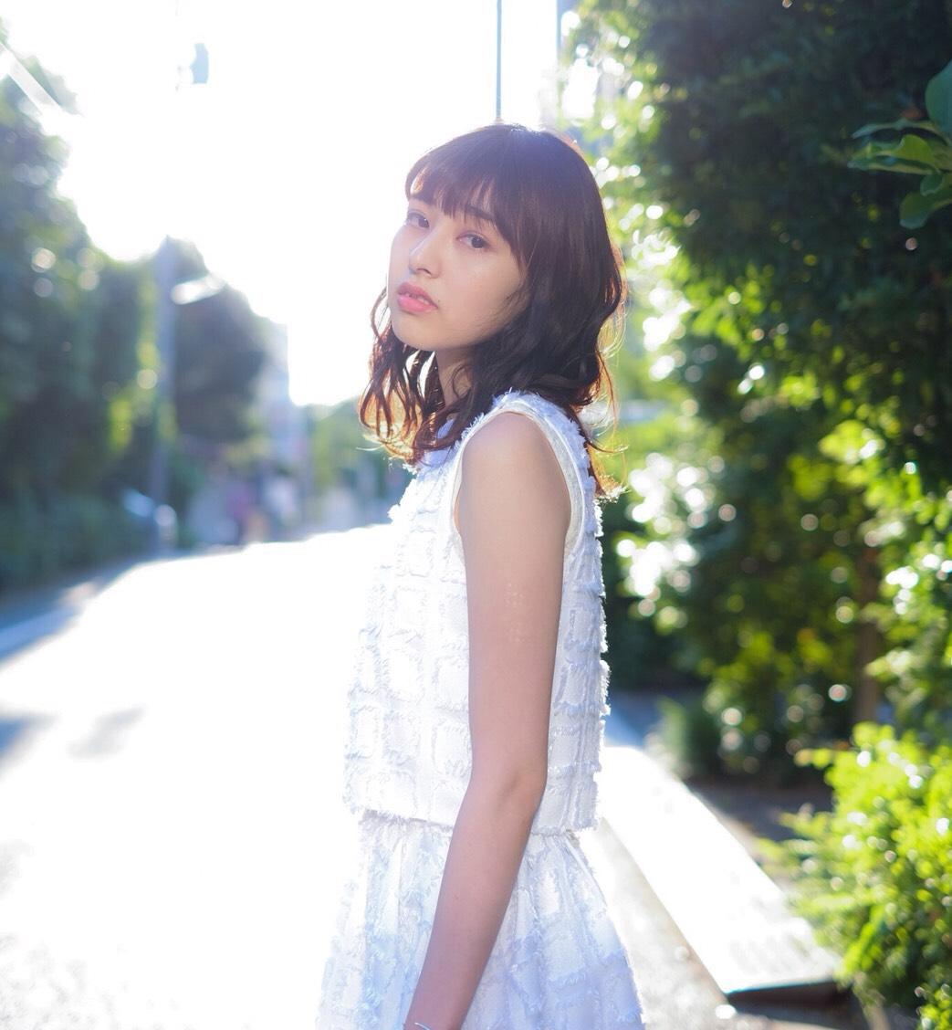 小林 ひかる (@hikaru_pinkcres0419)