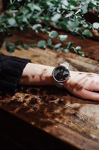 レディースのカジュアルな腕時計をお探しなら-革ベルトの組み合わせであなたに合ったカラーが見つかる-