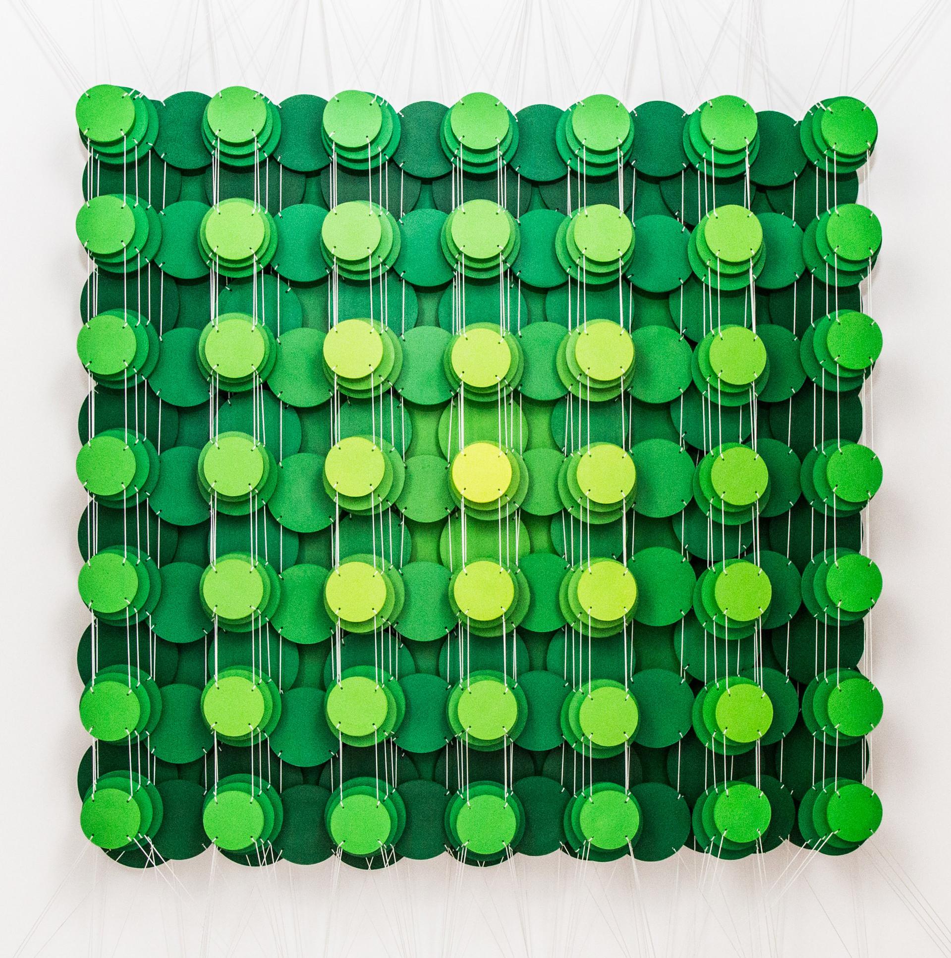 Cecilia Glazman Green popps 2017 Papel y madera pintado a mano e hilos (Hand painted paper and wood, thread) 100 x 100 cm.