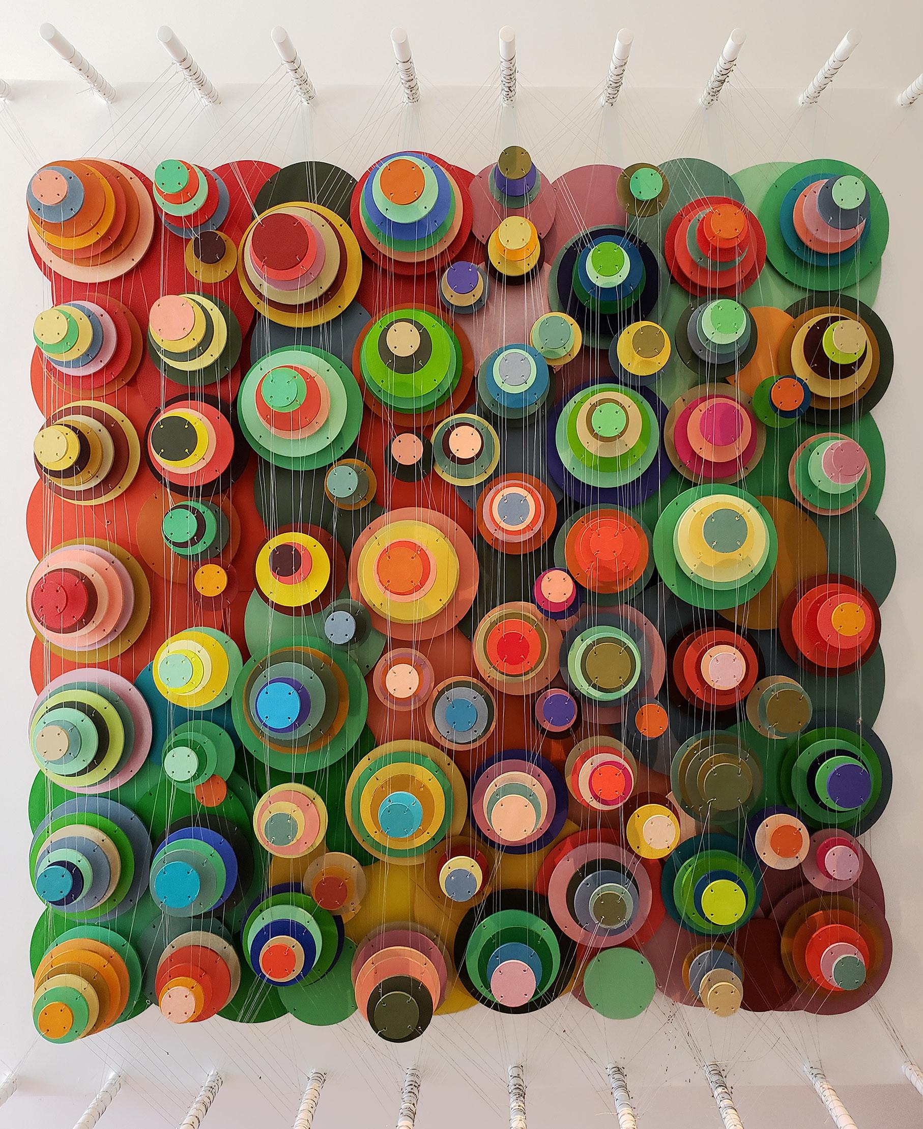 Cecilia Glazman Multicolor popps 2018 Papel y madera pintados a mano e hilos (Hand painted paper and wood, thread) 100 x 100 cm.