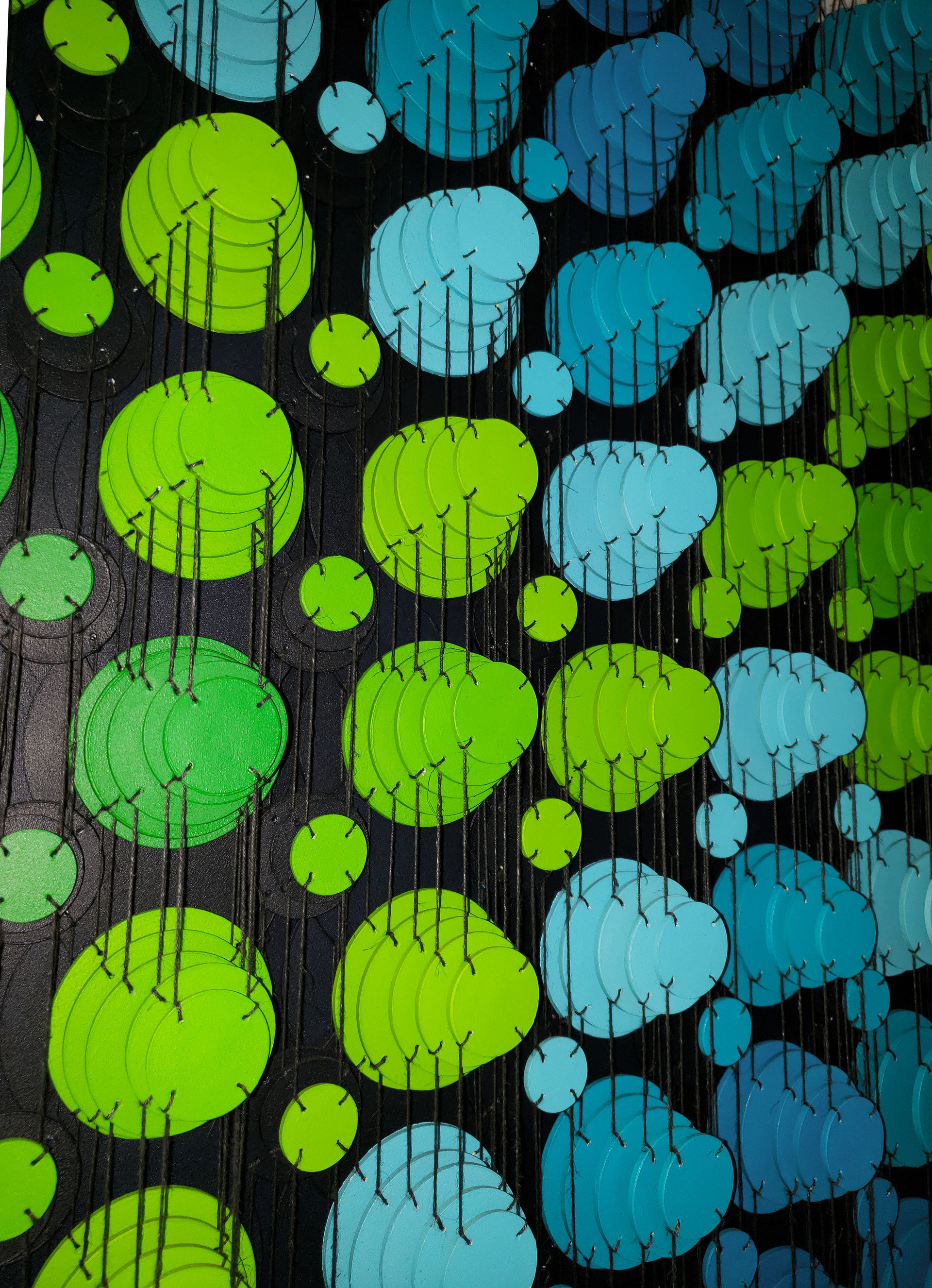 Cecilia Glazman Turqoise popps 2017 Papel y madera pintado a mano e hilos (Hand painted paper and wood, thread) 100 x 100 cm.