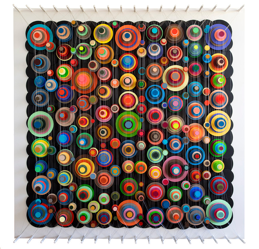 Cecilia Glazman Color popps 2017 Papel y madera pintado a mano e hilos (Hand painted paper and wood) 180 x 180 cm.