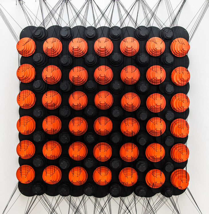 Cecilia Glazman Red popps 2017 Papel y madera pintado a mano e hilos (Hand painted paper and wood, thread) 100 x 100 cm.