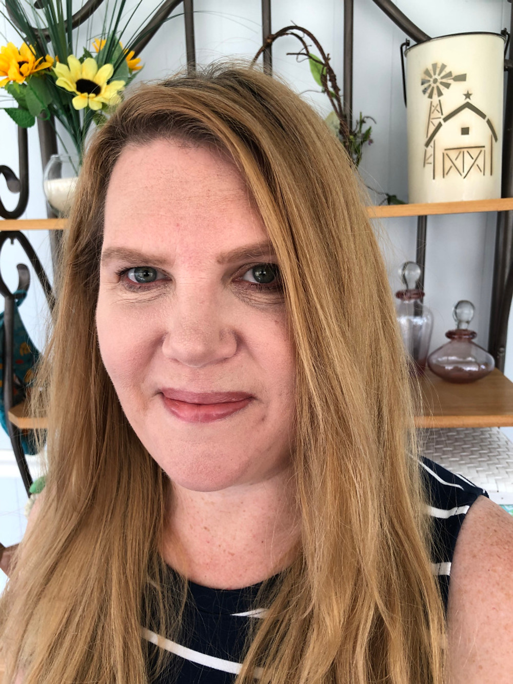 Headshot of Cyndi Woods