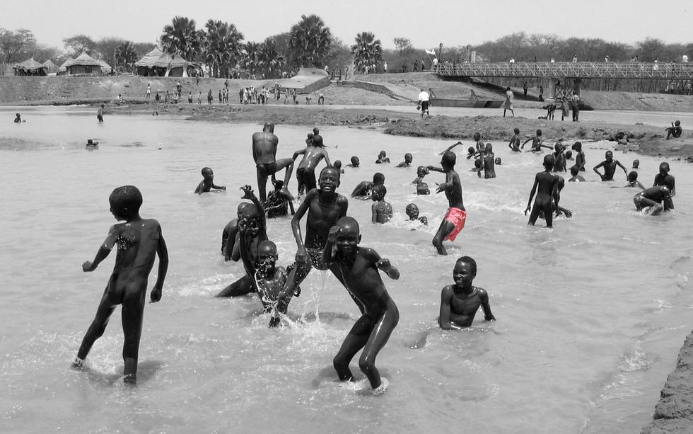 Kids bathing at Payi River (South Sudan)