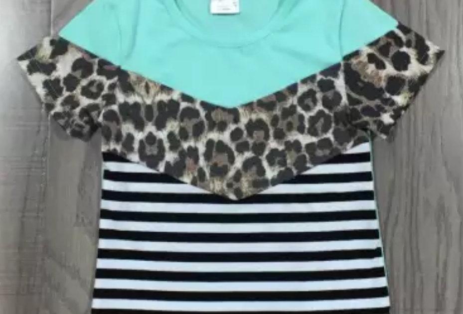 Tri-color short sleeve leopard top