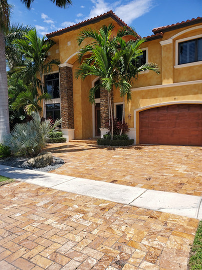 Gold%20Travertine%20Driveway_edited.jpg