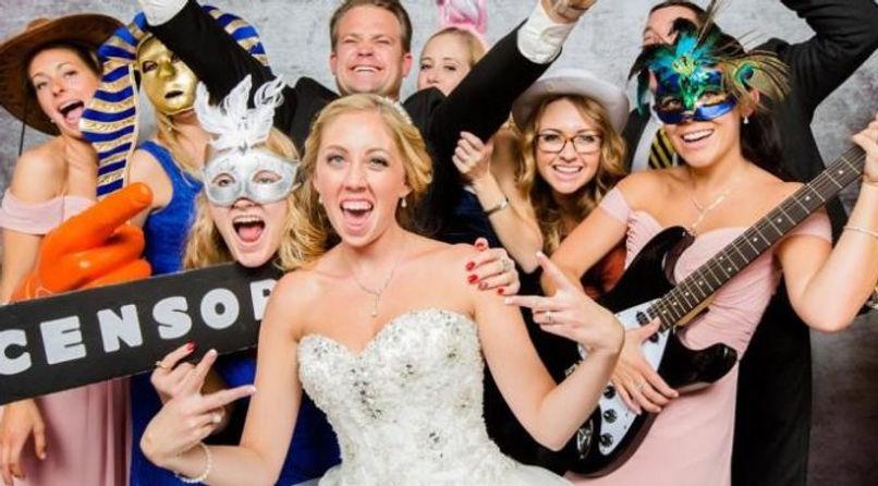 Wedding-Photo-Booth-Melbourne-672x372.jp