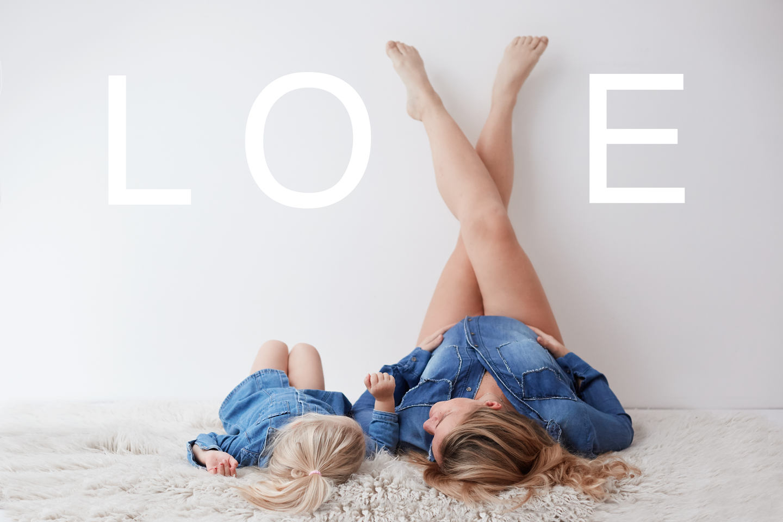 Babybauch und Schwangerschafts Fotografin. Im Atelier, Studio und Outdoor. Angenehm und Professional