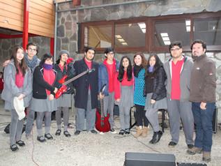 Alumnos de Ed. Media realizaron intervención musical