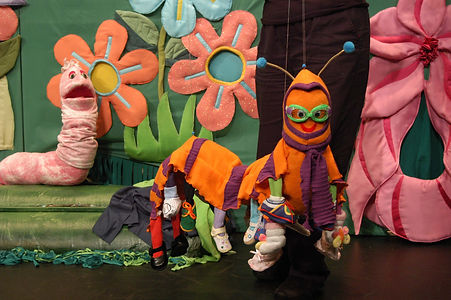 Owen and puppets on Tour 2007-15