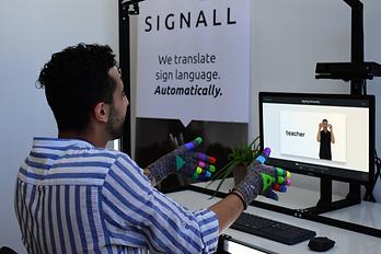 SignAll-6 (1).png