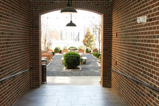 Walton Westside Courtyard