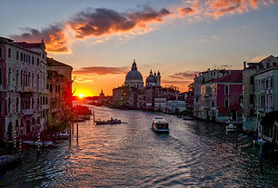 sunset-viewed-from-canal-in-venice
