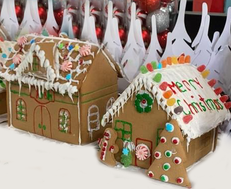 two-gingerbread-houses