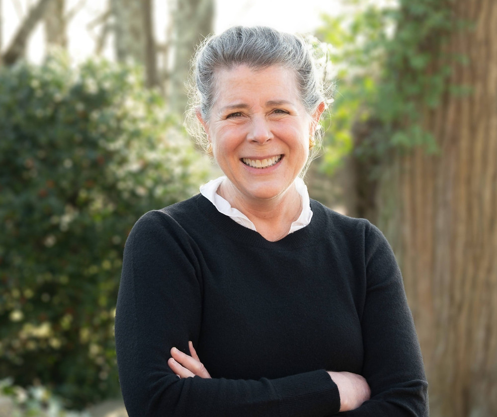 gayle-rigione-CEO-allergy-force-informal-outside-headshot