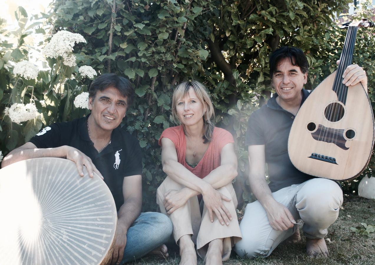 22.45 - 23.15 | Nariman & Monir Goran ft. Stefka - Muziek
