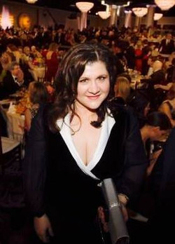 Tamara Gallo at Golden Globes 2015.jpg