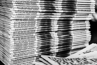 Closeup_Many_Newspaper_569012_1280x854.j