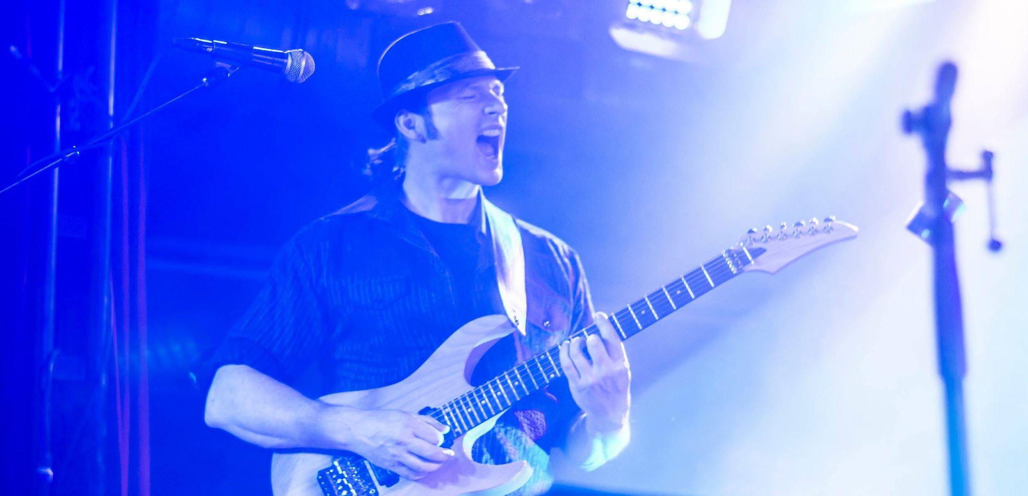 Live Gitarrist Bernd Bernard