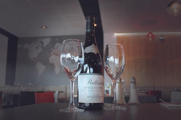 vin Globe brasserie