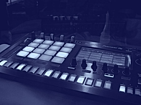 DJ%2520Set_edited_edited.jpg