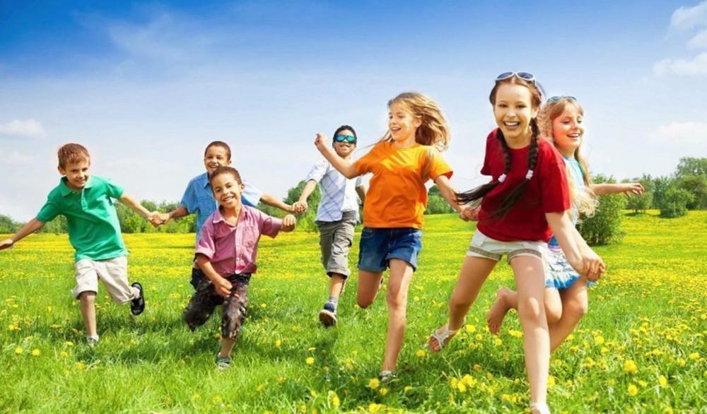 #Vacaciones #Verano #JuegosExterior #Columpios #Toboganes #SubeYBaja #CasitaJuguete #Juegos #ActividadesRecreativas