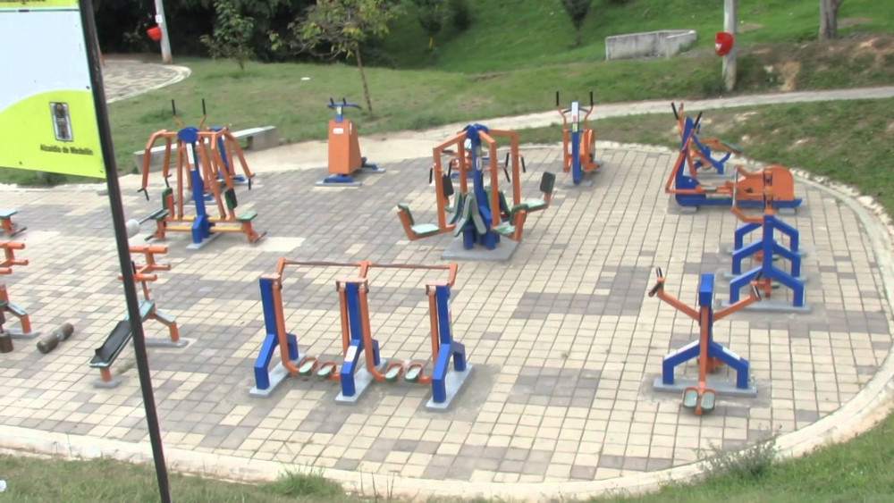 #Bienestar #Gym #Gimnasioexterior #EquipodeGimnasio #Ejercicio #EjercicioEnParques #AparatosdeGimnasio #Fitness #Workout #GymUrbano #Entrenamiento #EquipodeGimnasioUrbano #EquipodeGimnasioparaParques