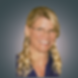 Robyn LI bio PhotoCanvasEdit3.png