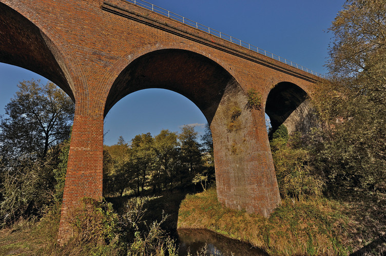 Foley Park Viaduct below 363.jpg