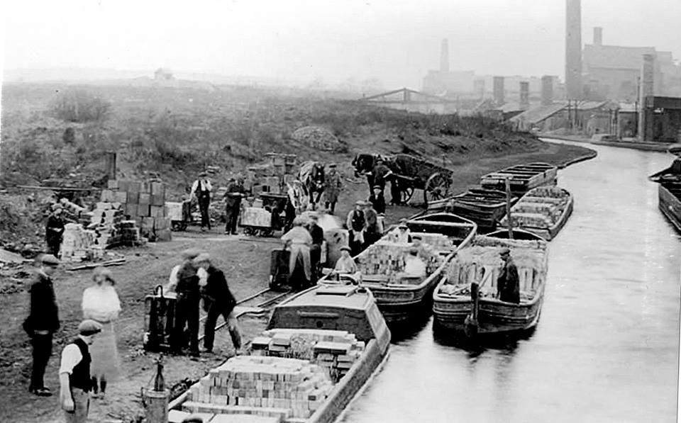 Canal scene.jpg