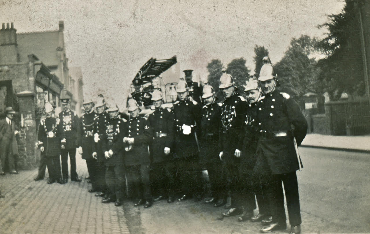 Brierley Hill Fire Brigade 3.jpg