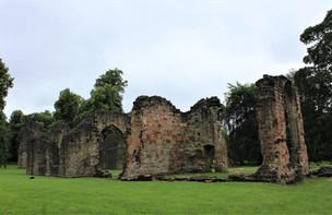 St. James Priory ruins, Dudley.jpg