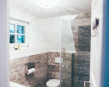 und euer bad mit walk- in dusche