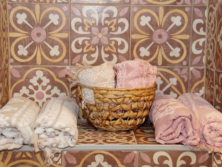 natürlich sind auch die handtücher farblich abgestimmt ;)