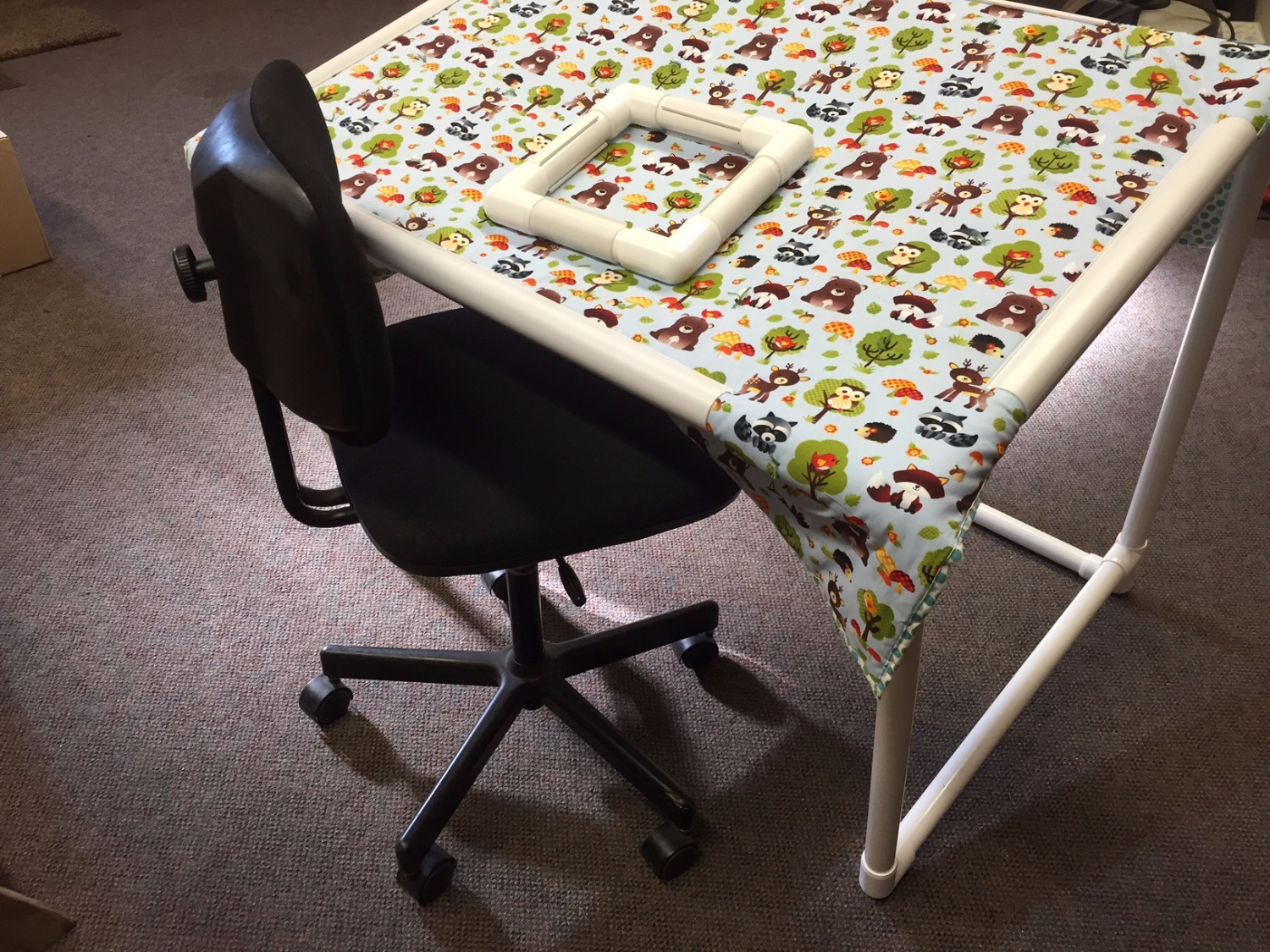 PVC Quilting Frame | Snap Clamp | California | Circo Innovations
