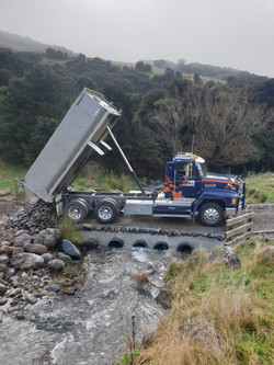 Tipping off Gabion for drainage