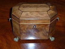 Good Gerorgian mahogany tea caddy