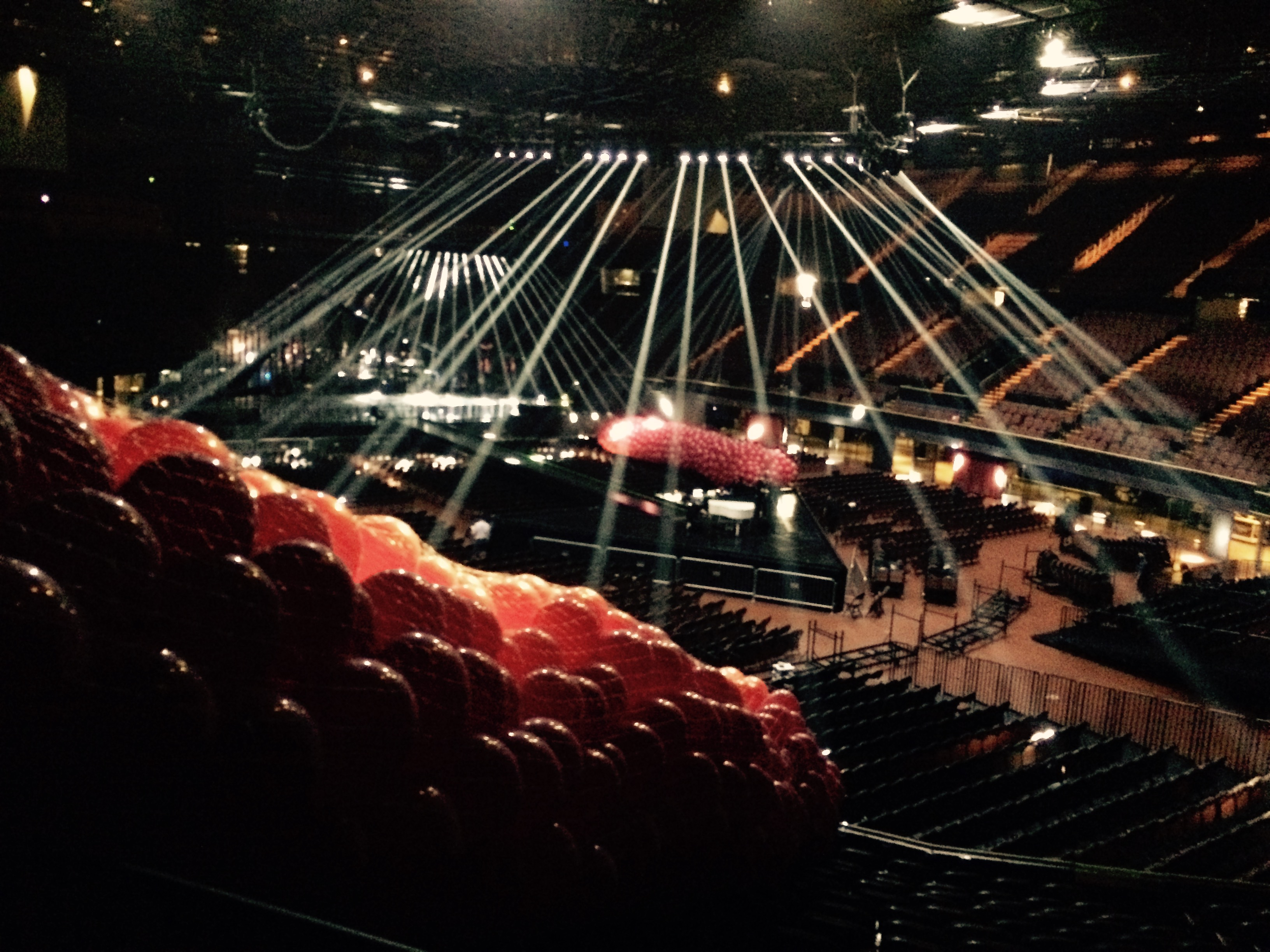 Maroon 5: Balloon Drop Prep