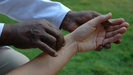 REVUE DE PRESSE : le Prince Charles, l'homeopathie et l'Ayurveda