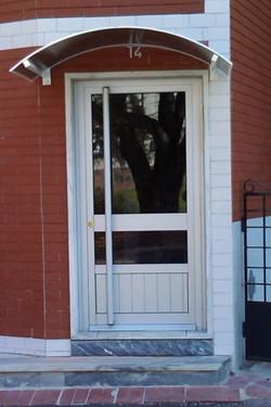 Porta entrada prédio Olivais