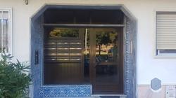 Porta predio Cavaleira Mem Martins.