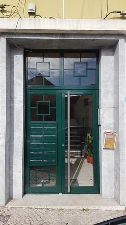 Porta predio Benfica