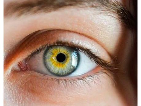 3 Ways to Color Amazing Eyes