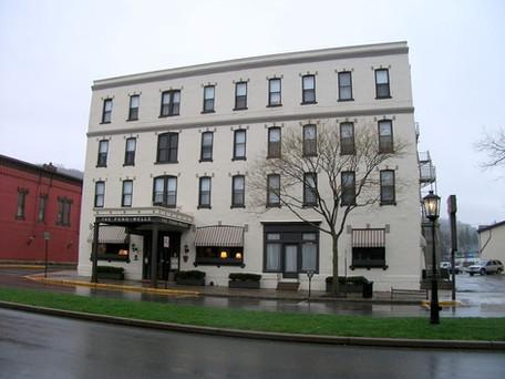 Penn Wells Hotel & Lodge