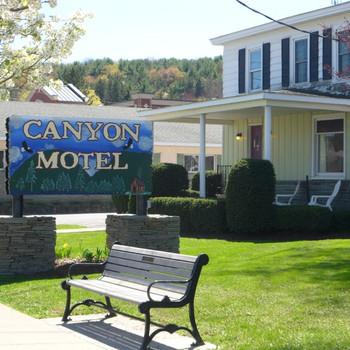 Canyon Motel