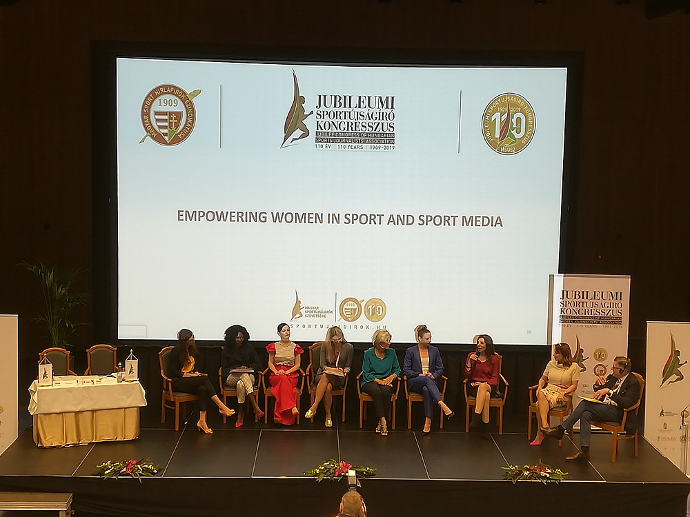 The panel of women in sport and sport media, moderated by Charles Camenzuli