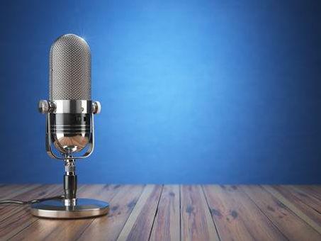65567342-micrófono-retro-viejo-programa-